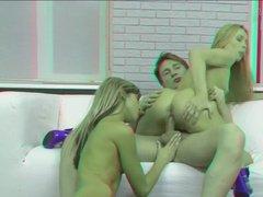 Ретро секс втроем с двумя блондинками