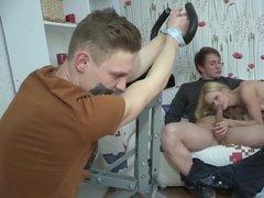 Русская телка парня связав, заставила его смотреть как трахается с любовником