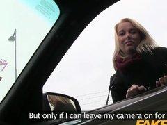 Блондинка трахается с водителем такси