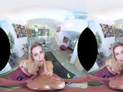 Секс втроем в виртуальной реальности